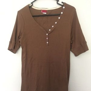 Brown Levi ribbed knit tee